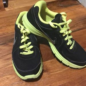 Men's Nike tennis shoes.